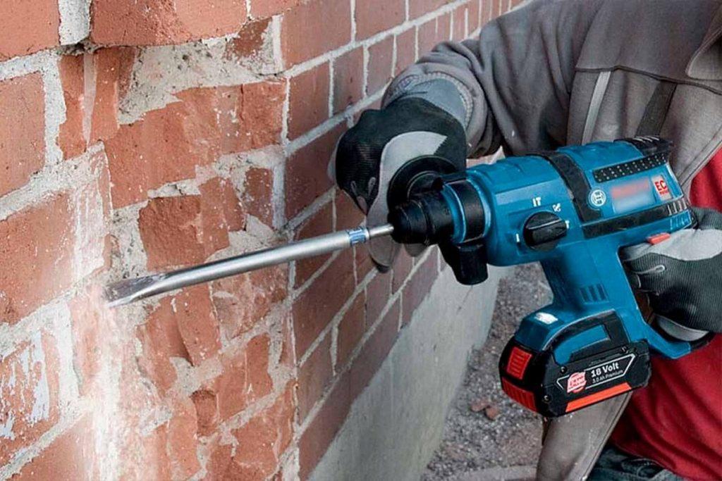 Демонтажные услуги снос кирпичных стен